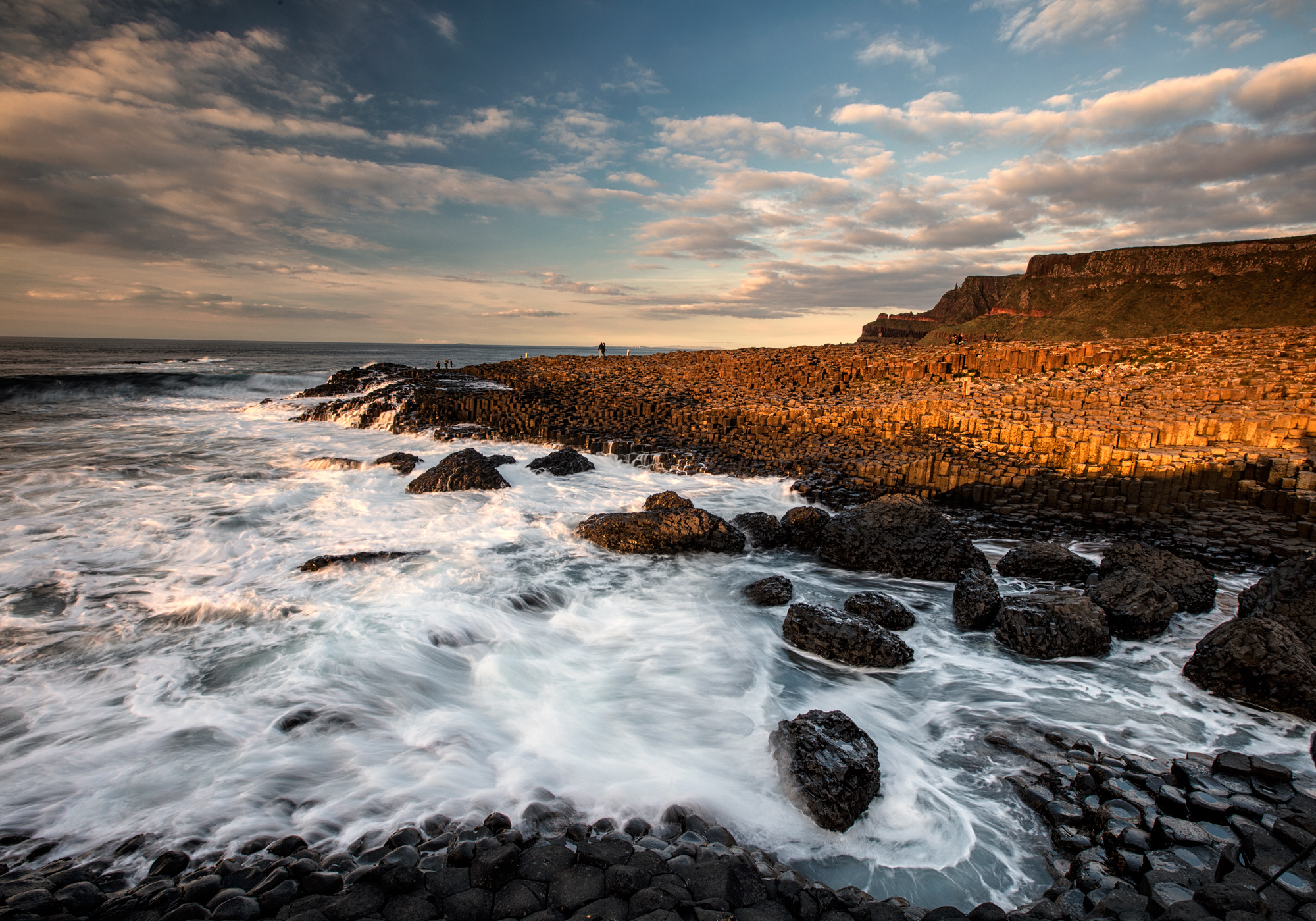 <p>THE GIANT CAUSEWAY</p>