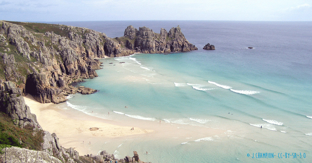 Rugged cliffs and white sand beaches in Cornwall