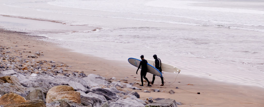 Surfing-at-Strandhill_s