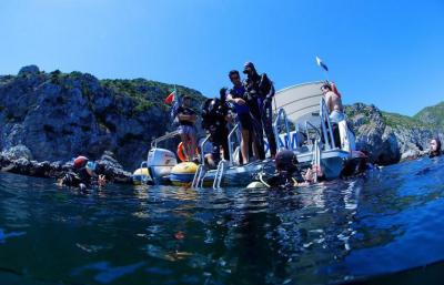 Exclusive Family Dive & Beach Adventure (Sesimbra, Portugal)