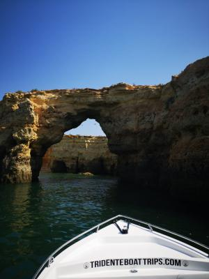 Cave Discovery Boat Tour to Benagil